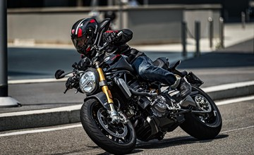 "Monster 1200 S ""Black on Black"""